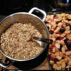 Meatless Monday: Fruit Crumble   Craftster Blog