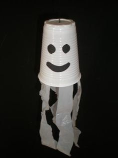 diy plastic cups kids craft, kids halloween arts and craft, halloween crafts, diy construction paper crafts, ghost