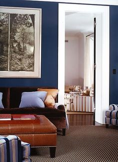 UPTOWN  NEW YORK CITY-love this wall color!