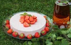 Mansikkajuustokakku Fodmap, Stepping Stones, Birthday Cake, Outdoor Decor, Desserts, Food, Tailgate Desserts, Stair Risers, Deserts