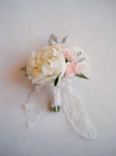 simple organic peony bouquet