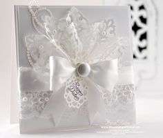 Beautiful card. Love her cards.