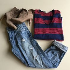 Madewell oversized v neck sweater So cute. Gently used. Madewell Sweaters V-Necks