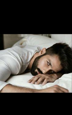 Shahid kapoor 22.4.18 Shahid Kapoor, Ranbir Kapoor, Punjabi Men, Dark Haired Men, Mira Rajput, Beard Boy, Deep Set Eyes, Formal Men Outfit, Designer Suits For Men