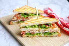 Classic club sandwich - the ultimate lunch - Tasty and Simple - Classic club sa. Classic club sandwich – the ultimate lunch – Tasty and Simple – Classic club sandwich – th Grill Sandwich, Club Sandwich Receta, Chicken Sandwich Recipes, Fried Chicken Sandwich, Chicken Bacon, Ideas Sándwich, Flan Cake, Lunch Wraps, Sandwiches For Lunch