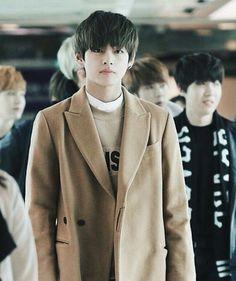 BTS 방탄소년단 | Kim Taehyung - V