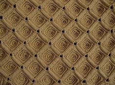 crochet by lara.koprivica.crochet,  IT LOOKS LIKE LITTLE CINNAMON BUNS :)