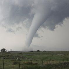Tornádó volt Perkáta határában kedden délután - közölte az Országos Meteorológia Szolgálat a Facebook-oldalán. http://ahiramiszamit.blogspot.ro/2017/05/tornado-volt-perkata-hataraban-kedden.html