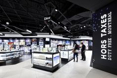 Boutique Hors-Taxes, Montreal Airport by CHA_JLP architectes for best Commercial space for more than 5 400 sq ft