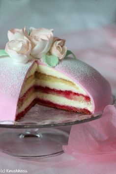 A Food, Food And Drink, Finnish Recipes, Doughnut Cake, Ice Cream Cookies, Recipes From Heaven, Healthy Treats, Healthy Soups, Cute Cakes