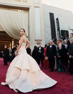wow. so beautiful    Jennifer Lawrence in Christian Dior haute couture s/s 2013