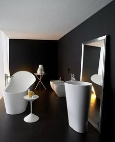 Love the free standing nature of this bathroom and colours