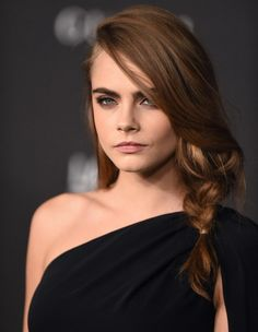 Cara delevingne attends the 2014 lacma art + film gala presented by gucci at lacma in los angeles ca on november 1 alos hairstyle tutorial loose side braid Celebrity Hairstyles, Braided Hairstyles, Cara Delevingne Hair, Cara Delevingne Valerian, Upside Down French Braid, Loose Side Braids, Eyeliner, Beautiful Women, Beautiful People