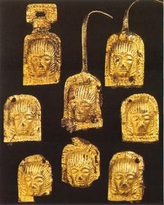 Placchette dalla tomba Aureli 11 di BolognaVII secolo a.C. Bologna, Museo Civico Archeologico. Etruscan gold