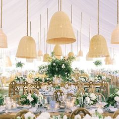 Elopement bei den vier Jahreszeiten in Bora Bora - Chic Decor 4 Tan Wedding, Wedding Reception, Wedding Table, Wedding Decor, Wedding Ideas, Bora Bora, On Repeat, California Wedding, Southern California