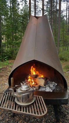 Cool Fire Pits, Diy Fire Pit, Fire Pit Backyard, Backyard Seating, Backyard Landscaping, Backyard Ideas, Indoor Fire Pit, Landscaping Ideas, Fire Pit Construction