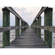 Sometimes all you need to do...is change your perspective . . . #perspective #travel #dock #river #neverstopexploring #wanderlust #travelgram #visitflorida #upsideofflorida #roamflorida #jensenbeach #treasurecoast #nikon #nikon_dslr_users #nikonphotography #architecture #archilovers #optoutside #naturelovers #florida #landscape