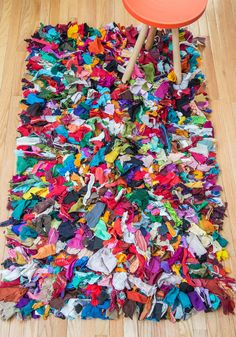 Rainbow Abode Rug - This rainbow rag rug by Karma Living will color you delighted! Retro Home Decor, Vintage Decor, Retro Vintage, Recycled Crafts, Dorm Decorations, Cool Rugs, Home Gifts, Rugs On Carpet, Carpet Flooring