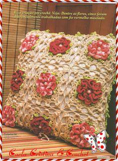 Carla Cristina & Crochet: Almofada Crú com Flores