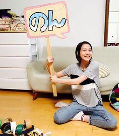 7月に芸名を「のん」に改名した、女優の能年玲奈さんが、Instagramの公式アカウントを開設した。    二文字だから二色使い。…