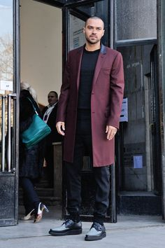 Jesse Williams at the Lanvin Fall 2017 Menswear Show Jesse Williams, Detroit Become Human Actors, William Trevor, Hot Doctor, Jackson Avery, Sarah Drew, Teen Wolf Boys, Kendall Schmidt, Greys Anatomy