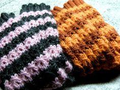 Helemenkerrääjä puikkoviidakossa: Valheelliset palmikot Fingerless Gloves, Arm Warmers, Knitted Hats, Knitting, Fashion, Fingerless Mitts, Moda, Tricot, Fashion Styles