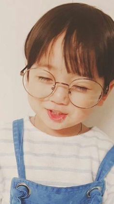 kid who looks like jungkook uwu – … - Cute Baby Cute Baby Names, Cute Baby Girl Pictures, Cute Kids Pics, Cute Baby Boy, Cute Little Baby, Little Babies, Cute Boys, Baby Baby, Cute Asian Babies