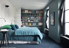 Chambre lumineuse - Our Winston Large Escargot in Peacock and Black spotted here in the French Elle Deco. We love the colour combination and interior setup. Blue Green Bedrooms, Bedroom Green, Interior Decorating, Interior Design, Elle Decor, Beautiful Interiors, Sweet Home, New Homes, Furniture