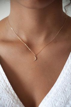 Fashion Necklace Diy Huggie Earrings Name Necklace Cheap Original Silv – clotheoo Tiny Necklace, Moon Necklace, Simple Necklace, Simple Jewelry, Cute Jewelry, Jewelry Accessories, Diy Jewelry, Jewelry Box, Crescent Necklace