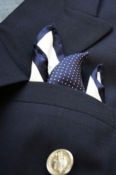 Wearing two pocket squares of different patterns and complementing colors. The navy and white shown here is perfectly paired with a nautical navy blazer. Sharp Dressed Man, Well Dressed Men, Fashion Boots, Mens Fashion, Men's Pocket Squares, Nautical Fashion, Different Patterns, Mens Clothing Styles, Navy And White