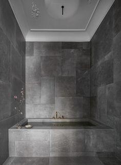 Menu Bathroom story – via Coco Lapine Design… Spa Like Bathroom, Modern Bathroom, Bathroom Plants, Bad Inspiration, Bathroom Inspiration, Bathroom Styling, Bathroom Interior Design, Bathroom Designs, Interiores Design