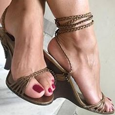 Sexy Legs And Heels, Sexy High Heels, High Heels Stilettos, Brian Atwood Shoes, Teen Feet, Pantyhose Heels, Beautiful Toes, Brown Heels, Sexy Toes