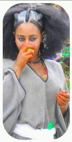 Hair Rat, Habesha Kemis, Traditional Hairstyle, Braided Ponytail Hairstyles, Ethiopia, Black Is Beautiful, Braids, Hair Styles, Face