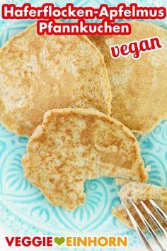 Healthy Oatmeal Applesauce Pancakes vegan - Healthy vegan pancakes with oatmeal and apple sauce without banana, without flour, without sugar, w - Pancakes Végétaliens, Pancakes Vegan, Vegan Pancake Recipes, Oatmeal Pancakes, Vegan Recipes, Snack Recipes, Snacks, Oatmeal Recipes, Oatmeal Cookies