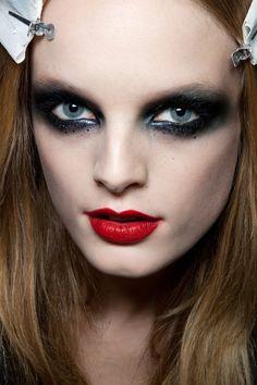 Hanne rockin' specks below the eyes and a red lip
