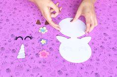 Unicornio - Invitación DIY + moldes Unicorn Baby Shower, Baby Shower Flowers, Rainbow Birthday Party, Unicorn Birthday Parties, Unicorn Party Invites, Unicorns And Mermaids, Party Places, Dinosaur Party, Kids Decor