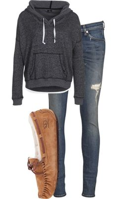 #fall #outfits / Hoodie + Slippers
