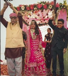 The Ultimate Bridal Entry Ideas for every type of Bride! The Ultimate Bridal Entry Ideas for every type of Bride! Mehendi Outfits, Bridal Outfits, Bridal Dresses, Wedding Suits, Chic Wedding, Wedding Bride, Wedding Goals, Wedding Cards, Wedding Dress