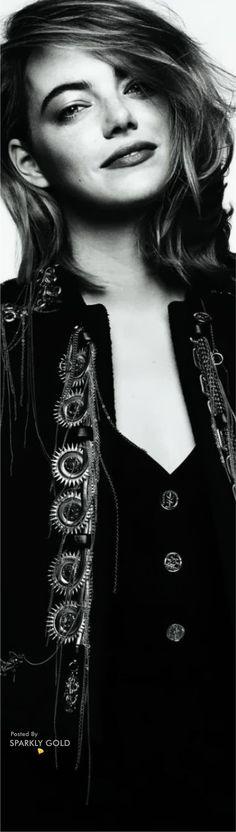 Love Fashion, Womens Fashion, Fashion Design, Actress Emma Stone, Diane Keaton, She Movie, Makeup Forever, Strike A Pose, Citizen