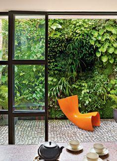 Black Parrots Studio: Greenery design Blog, Lush green wall, Manolo Yllera photography