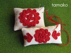 イーラーショシュ ピンクッション Throw Pillows, Embroidery, Crochet, Needlework, Crochet Hooks, Cushions, Decor Pillows, Drawn Thread, Crocheting
