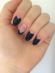 Navy and silver sparkle nails// almond shape