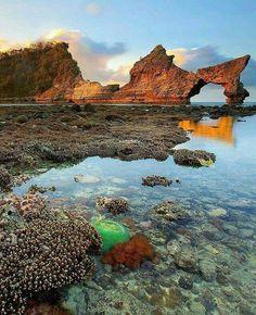 Atuh beach, Nusa penida, Bali.   Tandzwizzo