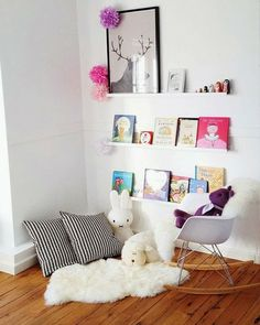 reading nook for the kids via mommo-design Kids Corner, Cozy Corner, Cozy Nook, Reading Nook Kids, Nursery Reading, Reading Areas, Reading Habits, Ideas Habitaciones, Deco Kids