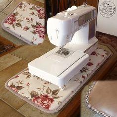 Podložka pod šicí stroj (podle časopisu Marina Quilt) Sewing, Craft, Home, Dressmaking, Couture, Stitching, Sew, Costura, Needlework