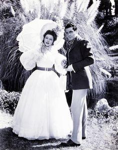 Greer Garson (Elizabeth Bennet) & Laurence Olivier (Mr. Darcy) - Pride and Prejudice (1940) #janeausten