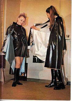 Afbeeldingsresultaat voor girls in rubber waders Black Raincoat, Vinyl Clothing, Rubber Raincoats, Black Rain Boots, Lovely Legs, Rain Wear, Girls In Love, Girls Wear, Leather Jacket
