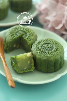 Nasi Lemak Lover: Green Tea Baked Mooncake 绿茶烤皮月饼
