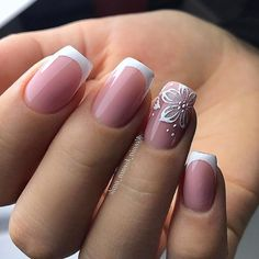 False nails have the advantage of offering a manicure worthy of the most advanced backstage and to hold longer than a simple nail polish. The problem is how to remove them without damaging your nails. French Manicure Nails, French Tip Nails, Nail French, Bridal Nails French, Cute Nails, Pretty Nails, My Nails, Bride Nails, Wedding Nails