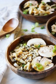 Hibachi Soup with Mushrooms and Crispy Onions / I love this soup from Japanese Steakhouses, but this recipe needs a little ginger.